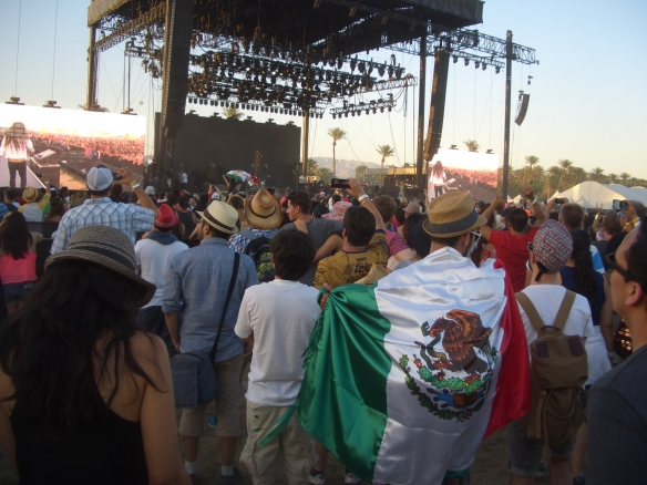The crowd to see Cafe Tacvba on the main stage on Saturday afternoon, 4/20.